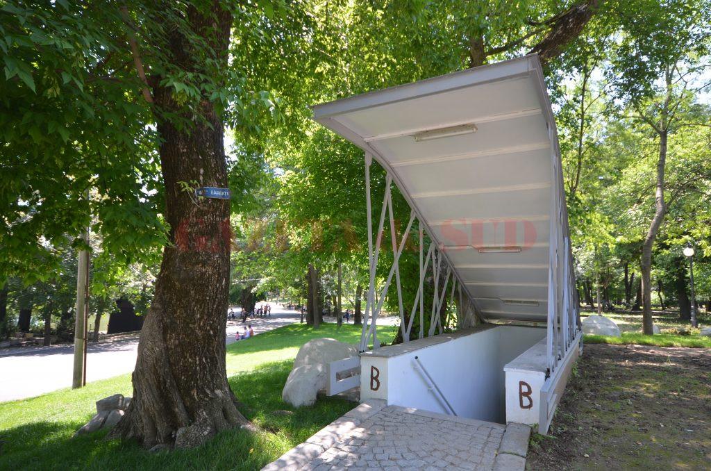 Unul dintre cele două WC-uri de 10.000 de euro (Foto: Bogdan Grosu)