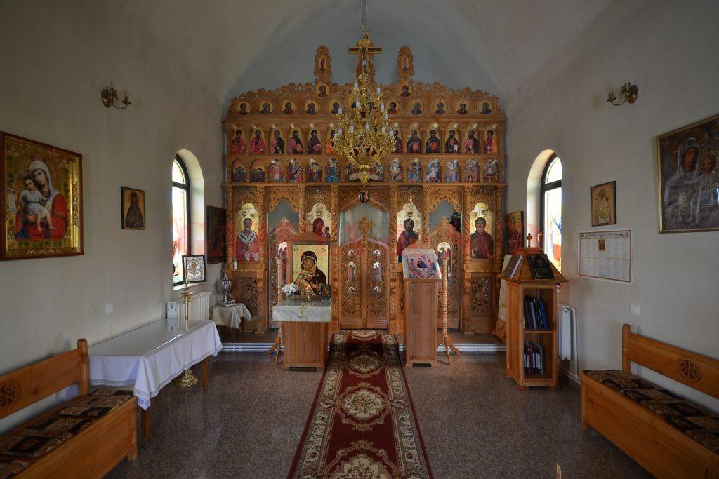 Interiorul Bisericii Mănăstirii Jiana (Foto: Bogdan Grosu)
