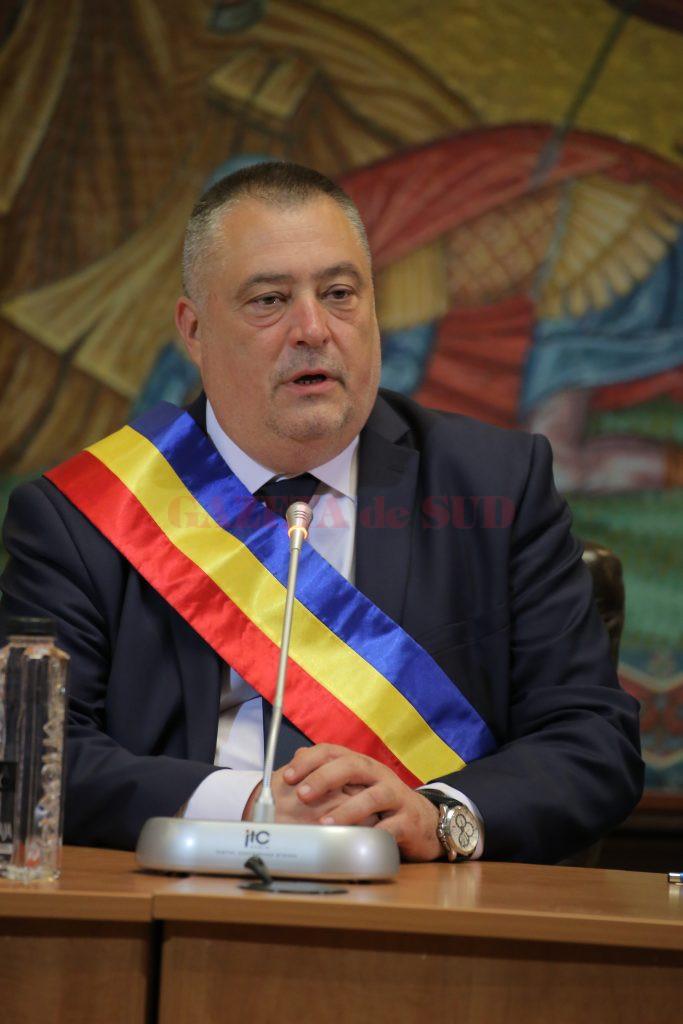 Primarul Mihail GENOIU, la deschiderea anului școlar: