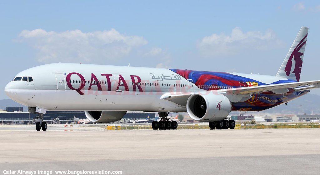 Qatar_Airways_Boeing_777-300ER_A7-BAE_in_special_FC_Barcelona_livery