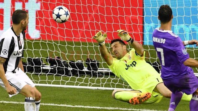 Cristiano Ronaldo l-a învins de două ori pe legendarul Buffon (Foto: uefa.com)