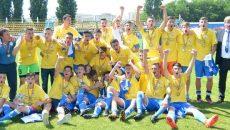Jucătorii craioveni şi stafful au sărbătorit titlul naţional (Foto: csuc.ro)