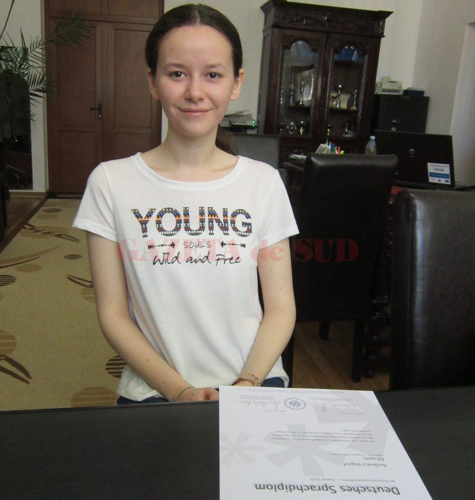 """Absolventă a Colegiului Național """"Elena Cuza"""", Andreea Drăgan, elevă de zece și olimpică la limba germană, a fost admisă la Universitatea din Viena"""