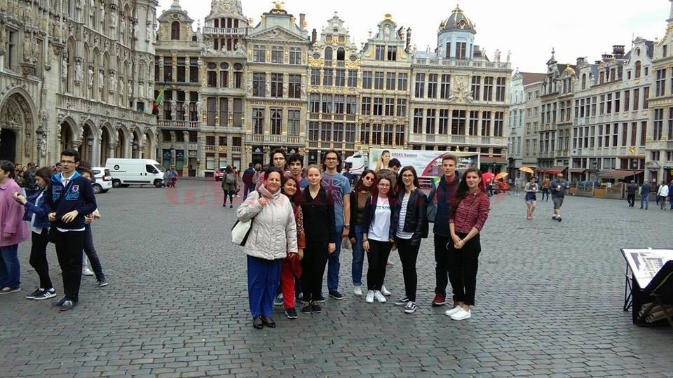 Elevii au mers pentru câteva zile la Bruxelles