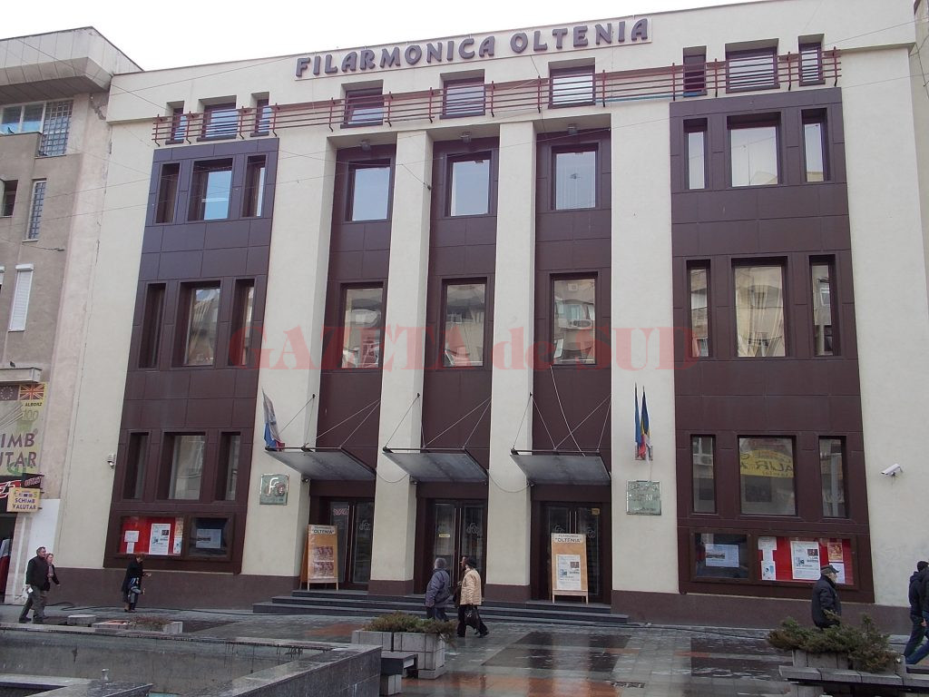 """Filarmonica """"Oltenia"""", scena unor interminabile scandaluri asistate de primărie"""