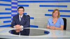 Ionuț Beneduc, inspector în cadrul Direcției de Sănătate Publică (DSP) Dolj și coordonator al Programului de asistență medicală comunitară în Dolj, și Marinela Birău, asistent comunitar în Ișalnița (FOTO: Claudiu Tudor)