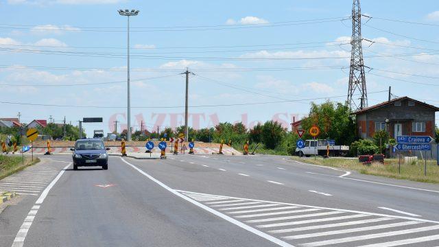Sensul giratoriu construit la solicitarea Ministerului Sănătății (Foto: Bogdan Grosu)