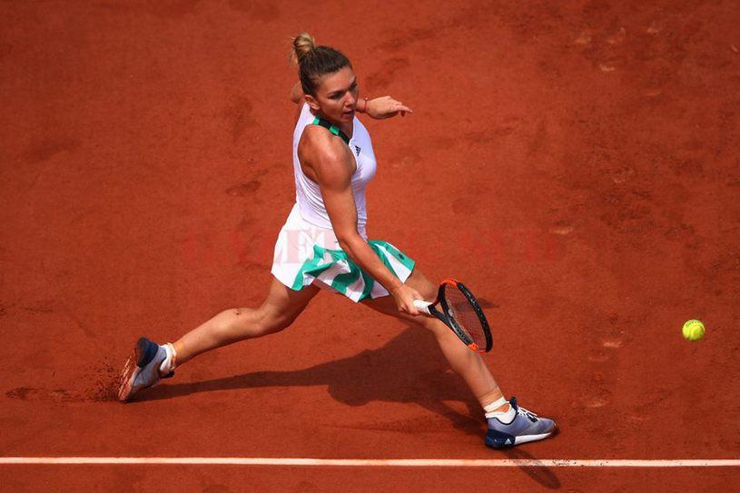 Simona Halep luptă pentru trofeul de la Roland Garros