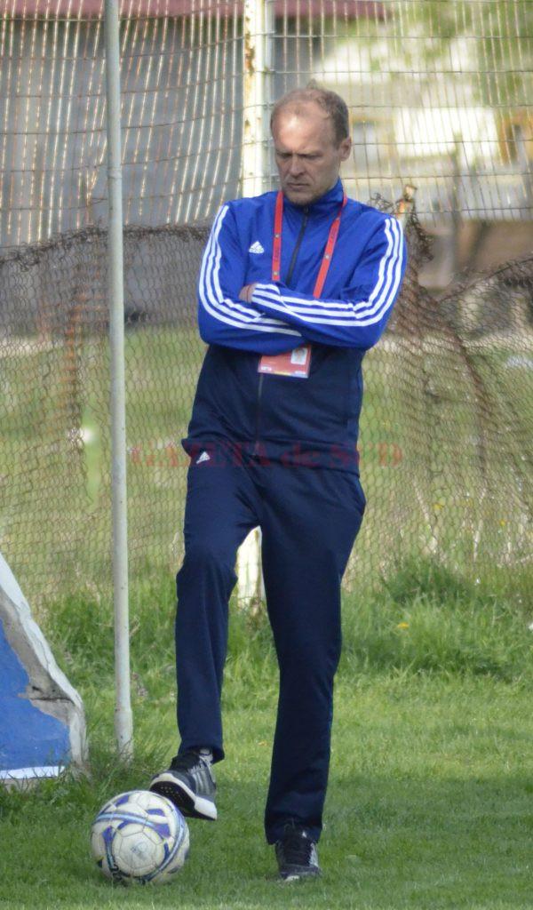 Victor Naicu a preluat echipa CSO Filiaşi (Foto: Alexandru Vîrtosu)