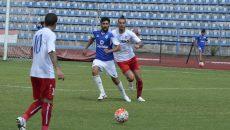 Florin Costea (în albastru) va juca în Cipru (Foto: Alexandru Vîrtosu)