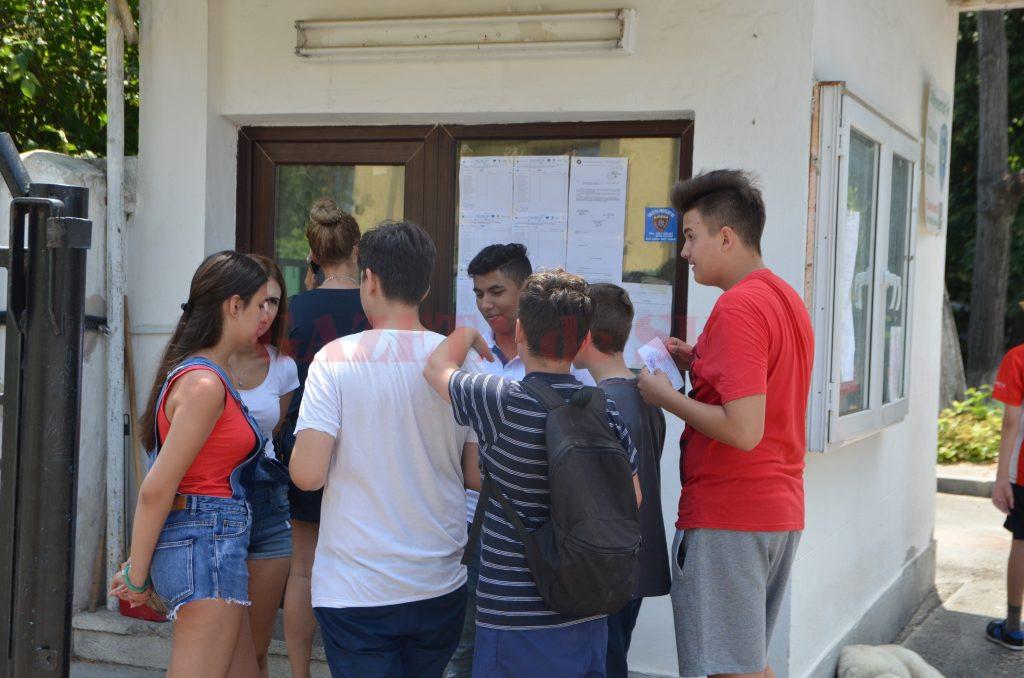 Elevii din Dolj au fost repartizați ieri  la liceele la care vor studia în următorii patru ani