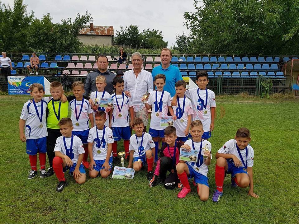 """""""Şcolarii"""" lui Ionuţ Cimpoeru au câştigat şi trofeul celei de-a doua ediţii a """"Cupei de Vară"""""""