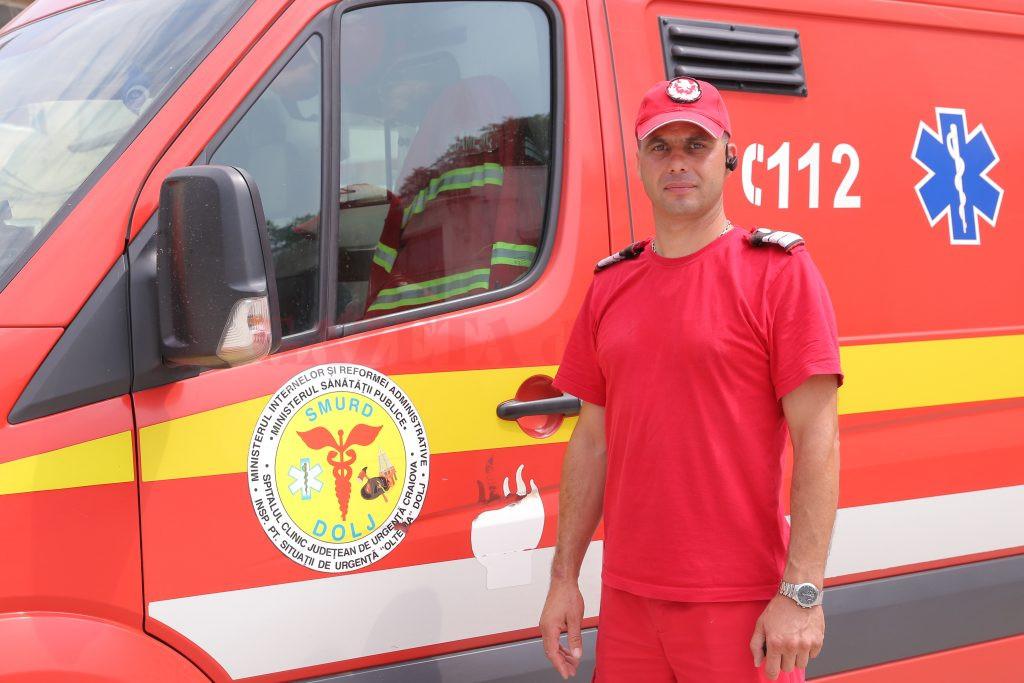 Florentin Călinescu se simte dator faţă de fiecare pacient şi face tot ce îi stă în putere pentru a-l salva