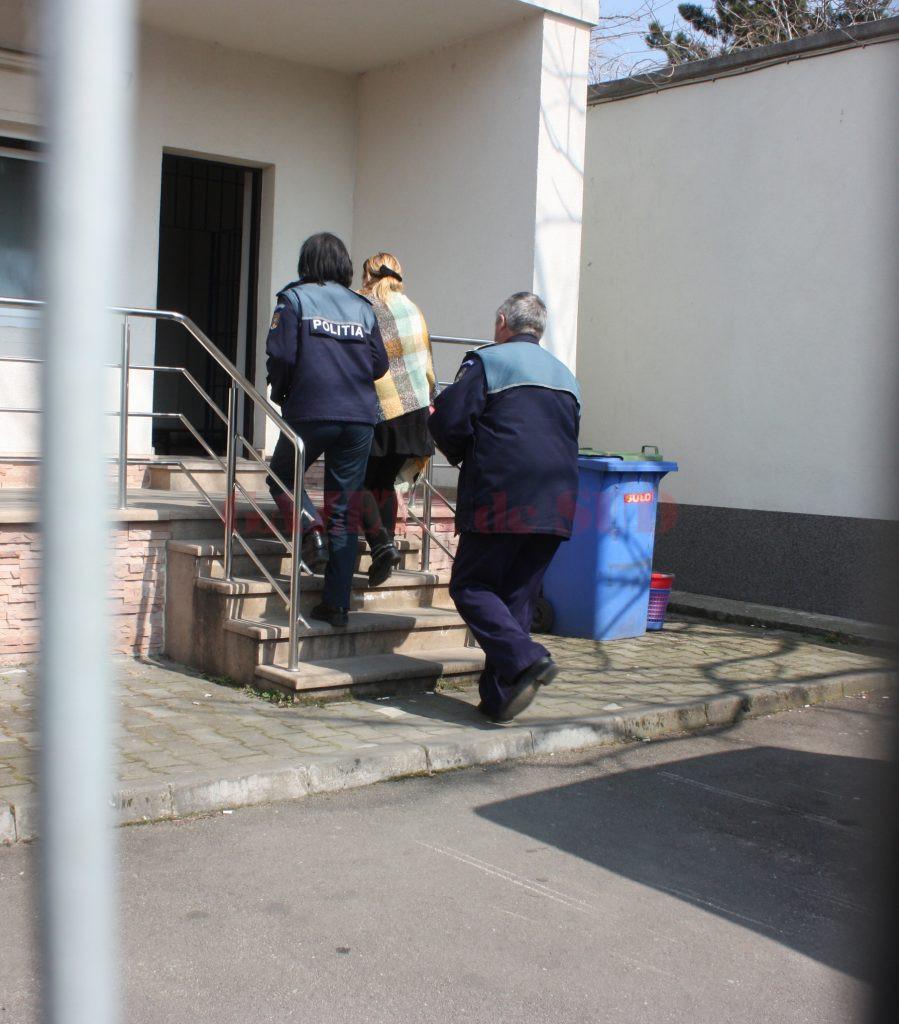 Magistrata Carmen Marinescu a fost arestată preventiv pe 24 martie 2015 și a fost eliberată din arest două luni mai târziu (Foto: arhiva GdS)