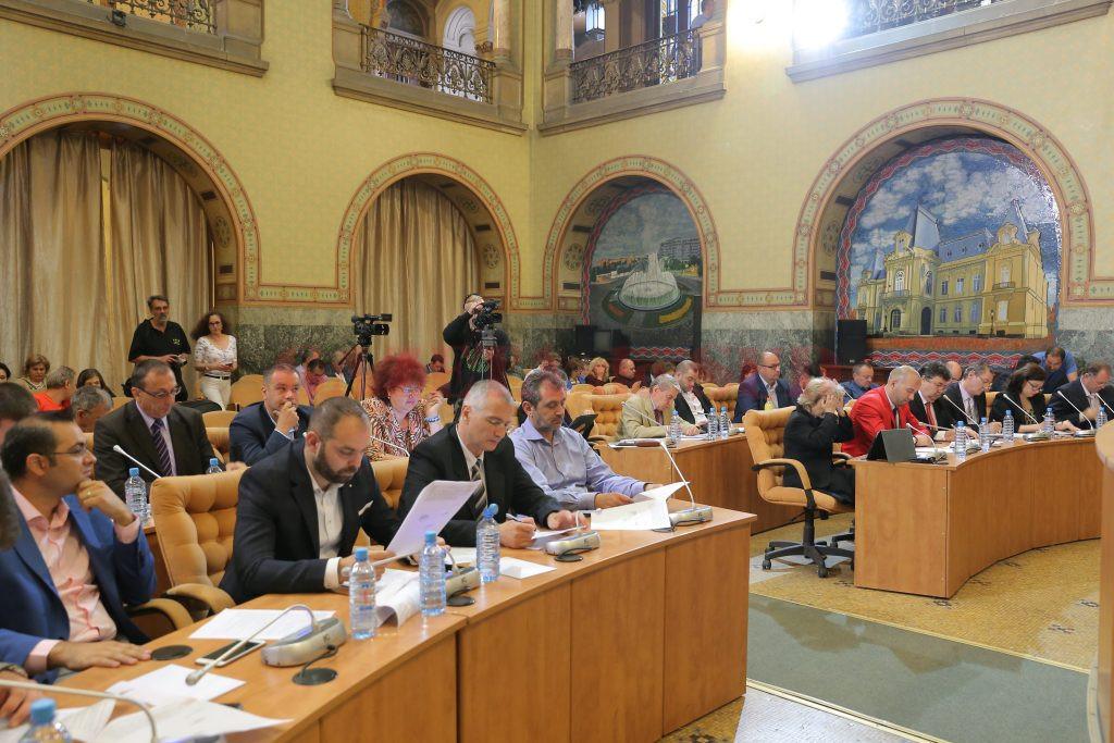 În şedinţa de Consiliu Local din mai 2017 s-a aprobat plata despăgubirilor în procesele pierdute de primărie