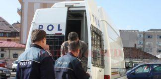 Polițistul din Târgu Jiu, pe numele căruia a fost emis un mandat european de arestare, în arest provizoriu până la traducerea mandatului.