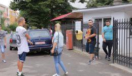 """Candidați care au susținut a doua sesiune a examenului de bacalaureat la Colegiul Tehnic """"C.D. Nenițescu"""" din Craiova (Foto: Lucian Anghel)"""