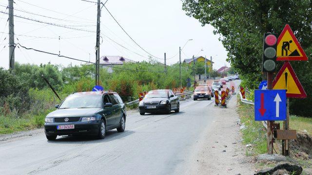 Podul de la Malu Mare a devenit un calvar pentru șoferii care circulă pe DN 55 Craiova - Bechet (Foto: Lucian Anghel)