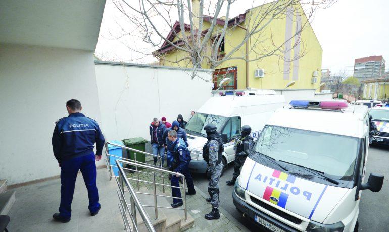 Vadik Gigi Zavera și Ioneluș Cimpoeru au fost arestați pe 18 noiembrie 2016, pe 20 martie 2017 au fost plasați în arest la domiciliu, iar în aprilie au devenit liberi (Foto: arhiva GdS)