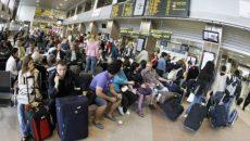 pasageri-aeroport-465x390