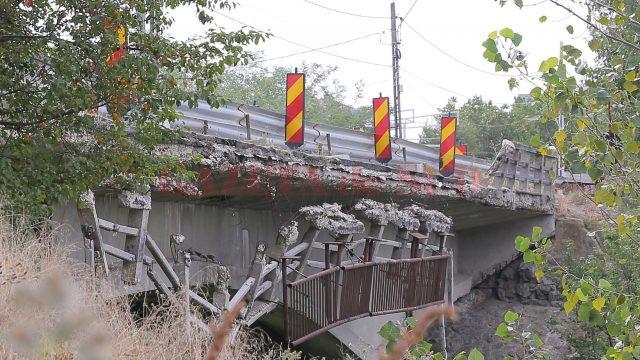 Podul de la Malu Mare se degradează pe zi de trece (Foto: Lucian Anghel)