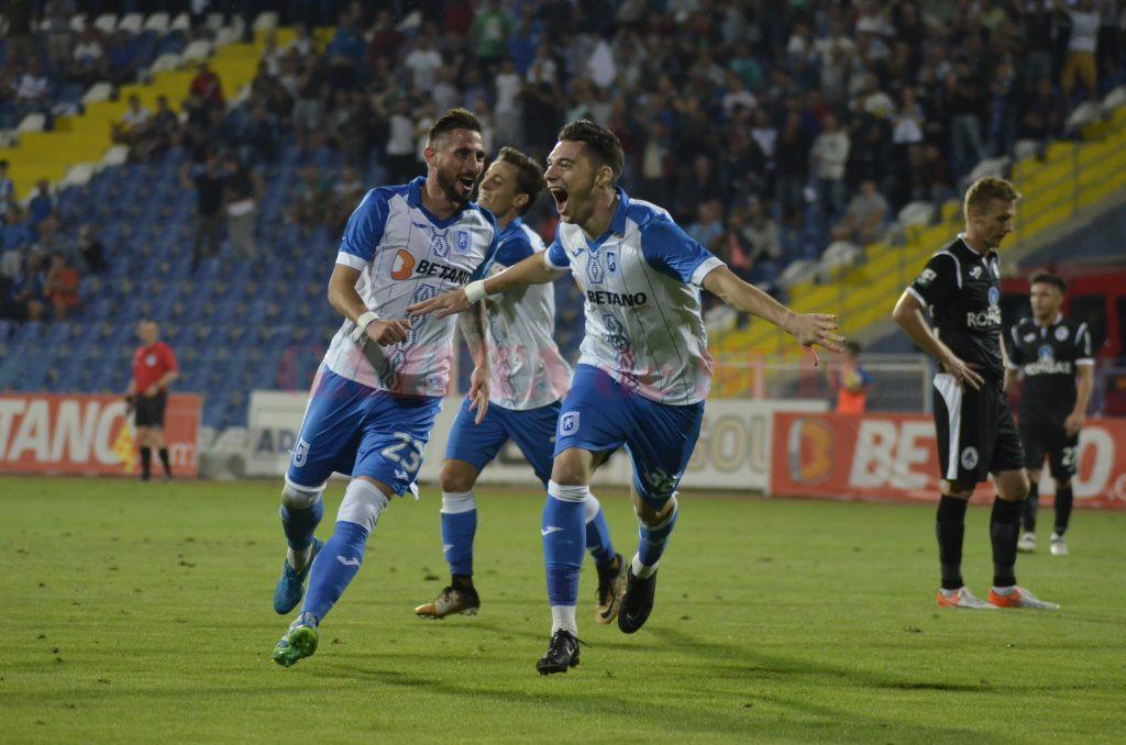 Andrei Burlacu (centru) traversează o perioadă foarte bună la echipa de club și a fost convocat de Daniel Isăilă la naționala de tineret a României (Foto: Alexandru Vîrtosu)
