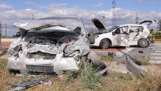 Patru persoane, printre care și o fetiță de zece ani, au fost rănite grav în urma accidentului (Foto: Claudiu Tudor)