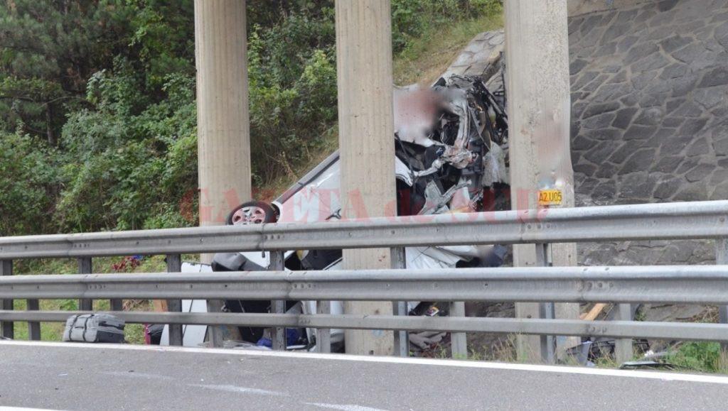 În urma accidentului produs pe o autostradă din Austria și-au pierdut viața cinci cetățeni români, printre care se numără și un tânăr din comuna Movileni, Olt (imgl.krone.at)