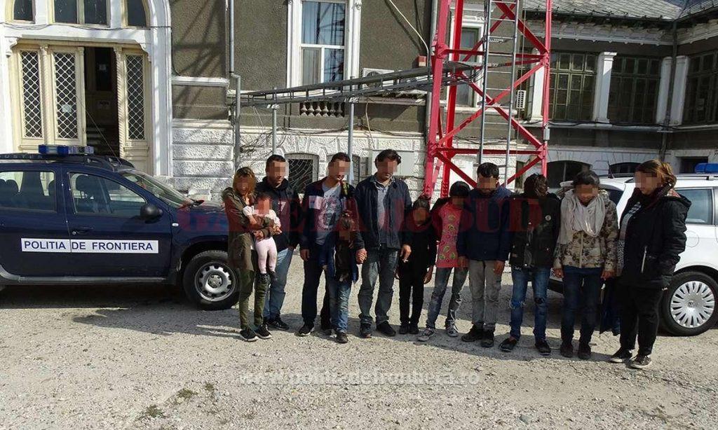 Polițiștii de frontieră au reușit să-i rețină pe migranții transportați de cei trei bulgari