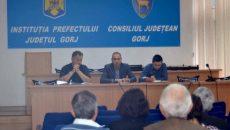 Primarii au fost chemaţi  la şedinţă de către prefectul  de Gorj