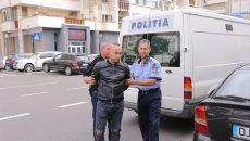 Vineri, după o noapte petrecută în arestul IPJ Dolj, Grigorie a fost dus la Judecătoria Craiova cu propunere de arestare preventivă