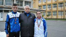 Antrenorul Ion Bură, alături de sportivii anului trecut în judeţul Gorj pe care îi pregăteşte