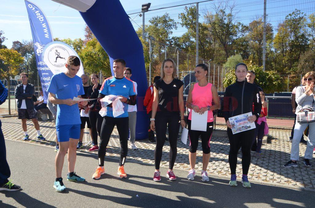 Participanţii care au urcat pe podium la cursa de 7.200 m