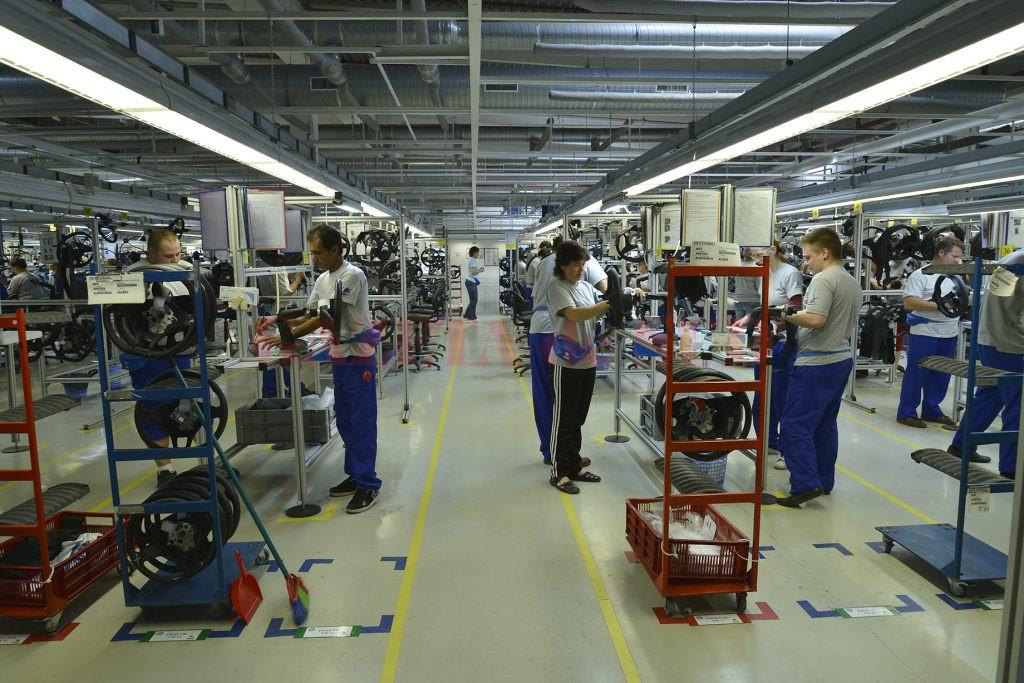 Fabricile de componente auto îşi deschid filiale la Târgu Jiu,  încurajate şi de finalizarea DN 66 Târgu Jiu - Petroşani