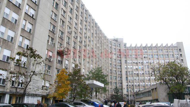 Procurorii doljeni au stabilit că inculpata a primit aproape 3.000 de euro pentru a aranja angajarea unei persoane la Spitalul de Urgență Craiova.