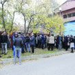 Aproximativ 60 de angajați ai APIA Dolj au protestat pașnic în curtea instituției (Foto: Lucian Anghel)