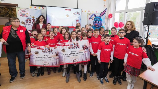 Colegii Alexandrei Isabella Gonzales-Iliuță, premiați și ei pentru participarea la programul de igienă dentară