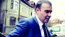 Fost ministru al finanțelor în guvernul Ponta și fost primar al municipiului Slatina,  Darius Vâlcov a fost trimis în judecată în ultimii doi ani în trei dosare de corupție