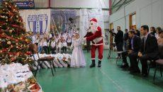 """Moș Crăciun a venit la Liceul cu Program Sportiv """"Petrache Trișcu"""" (foto: Claudiu Tudor)"""