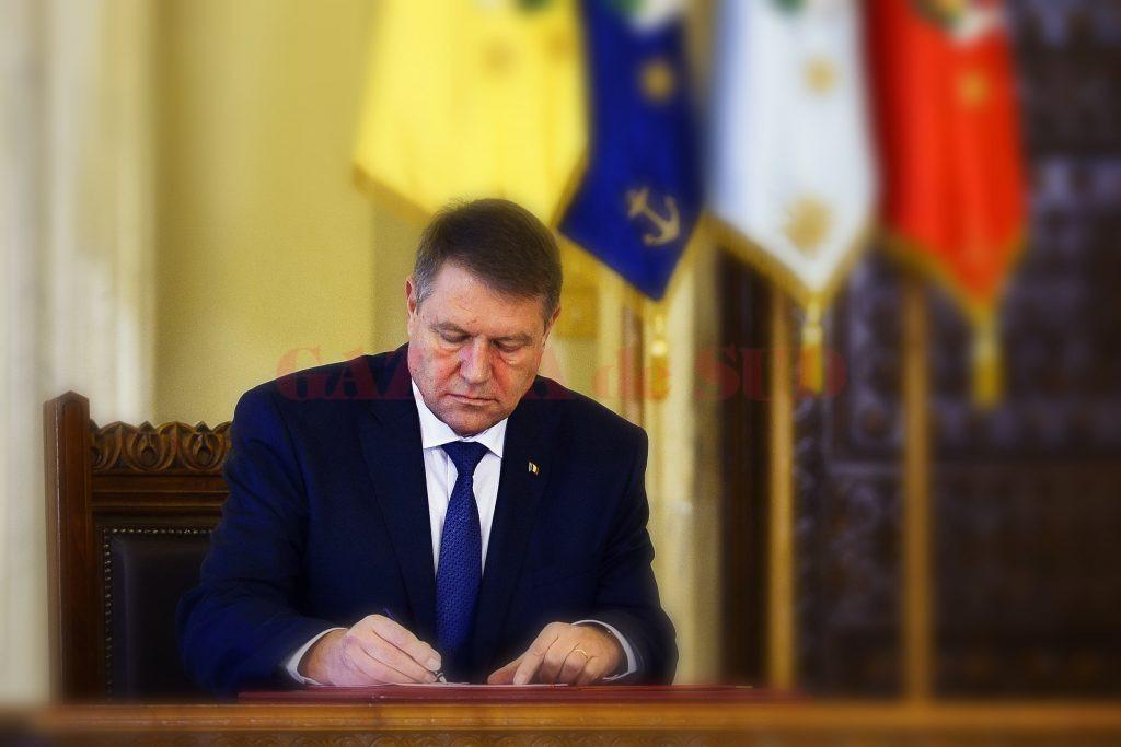 Preşedintele Klaus Iohannis a promulgat, miercuri, Legea privind aprobarea Ordonanţei de urgenţă a Guvernului nr. 51/2020 pentru rectificarea bugetului asigurărilor sociale de stat pe anul 2020