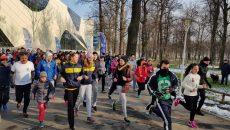 Cu mic cu mare, craiovenii pasionaţi de mişcare au participat azi la competiţia din Parcul Tineretului (foto: Daniela Mitroi-Ochea)