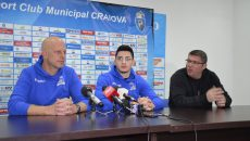 Rami Hadar (stânga), jucătorul Sebastian Ionescu și Marius Toma au participat la conferința de presă (foto: Alexandru Vîrtosu)