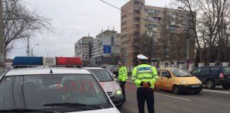 Un tânăr de 18 ani, anchetat după ce a prezentat polițiștilor un permis auto fals