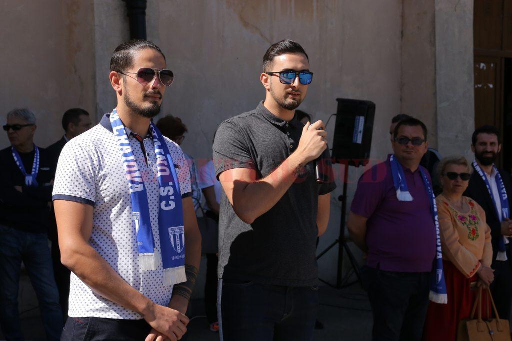 Fii regretatului profesor Corneanu, Iulian și Cristian (foto: Lucian Anghel)