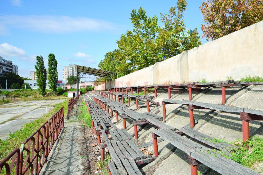 Tribunele stadionului Tineretului