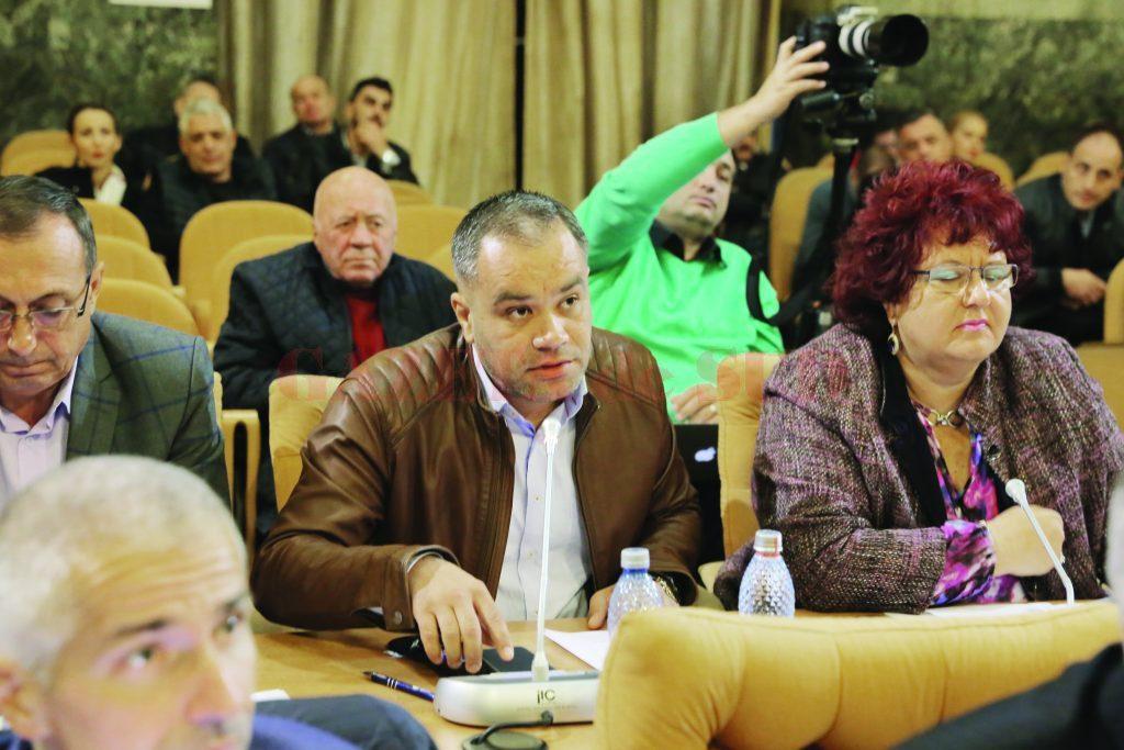 """Marian Vasile, consilier local PNL, a cerut explicaţii despre modernizarea intrării în Parcul """"Nicolae Romanescu"""""""