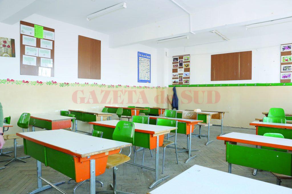 Autoritățile din Gorj analizează varianta închiderii tuturor școlilor din cauza coronavirusului