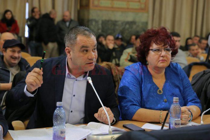 Marian Vasile, consilier local PNL, acuză administrația PSD de la Craiova de incompetență și indolență, după accidentul de pe Calea Bucureşti.