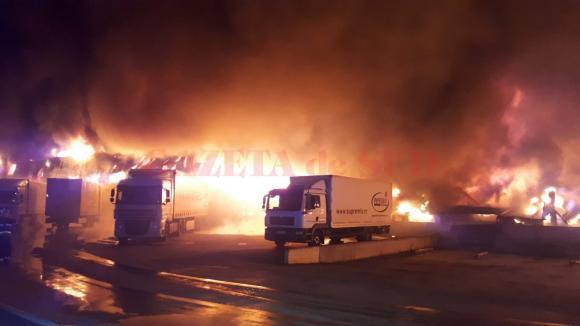 Incendiu la o fabrica din Alba (Foto Digi24)