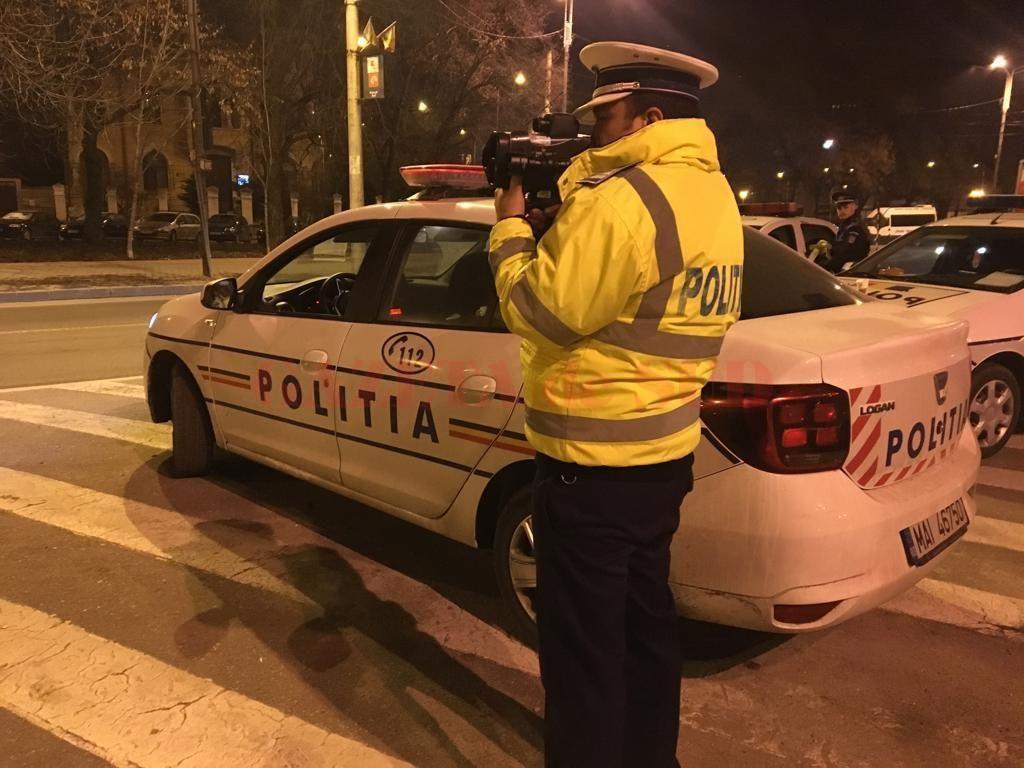 Poliţiştii doljeni au executat o acţiune pentru prevenirea încălcării regimului legal de viteză, o tânără, depistată cu peste 100km/h